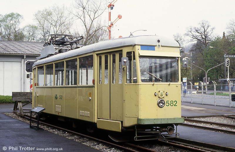 The other end of 1947-built 582 at the Verkehrshaus Luzern on 19th April 1992.