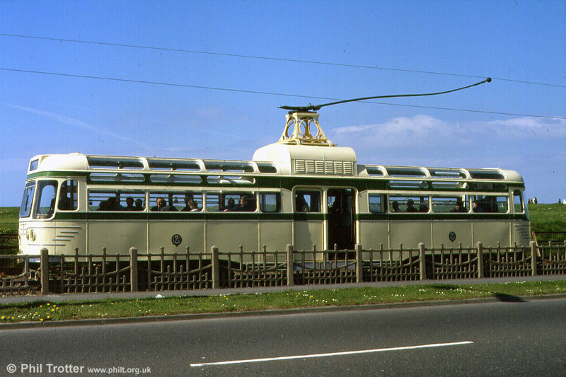 Coronation car 660 in profile at Little Bispham on 5th May 1991.