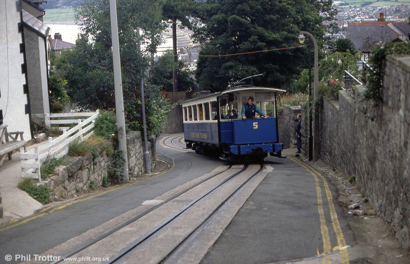 Car 5 negotiates the reverse curve in Old Road on 5th September 1990.
