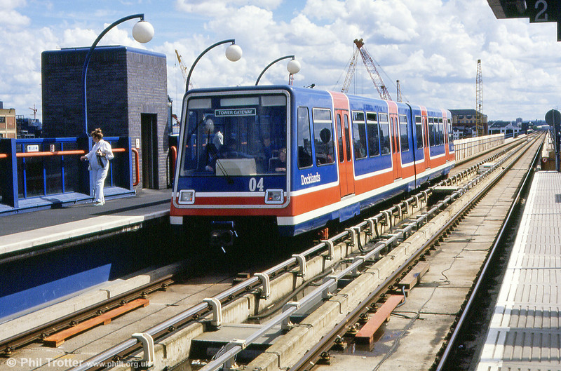DLR car 04 heading off towards Tower Gateway.