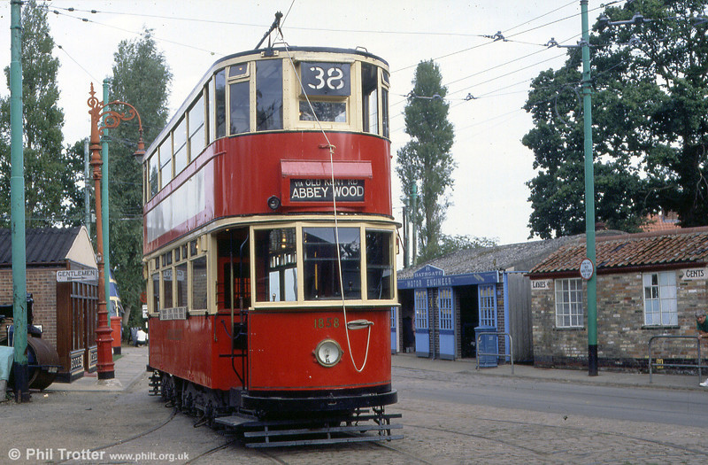 London HR2 car 1858 at the ETAM on 2nd September 1990. 1858 was built for service on hilly routes in London, such as those which served Dog Kennel Hill, Dulwich and Catford.