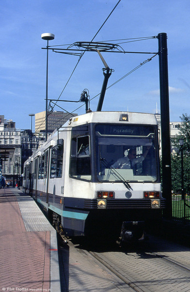 1012 waits at Piccadilly Gardens on 30th September 1993.