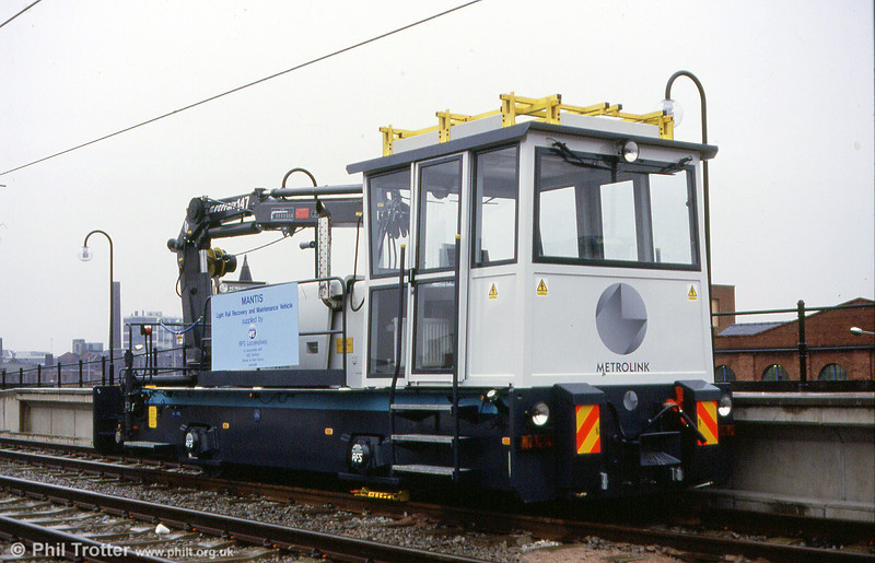 Manchester Metrolink has this 1991 built 4WDH locomotive for shunting and recovery work. It was built by GEC Traction (no.5862) and is seen at G-Mex 21st November 1991.