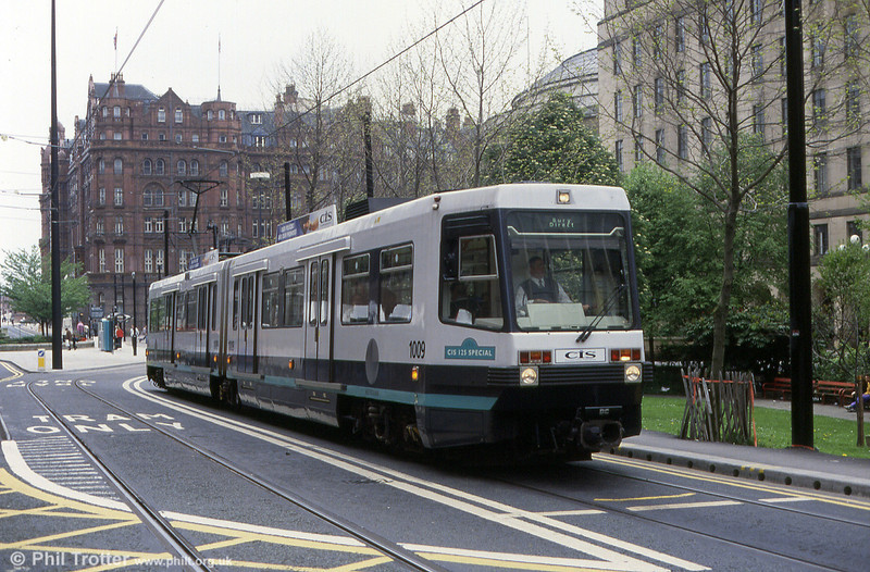 Metrolink 1009 'CIS 125 Special' at St. Peter's Square on 4th May 1992.