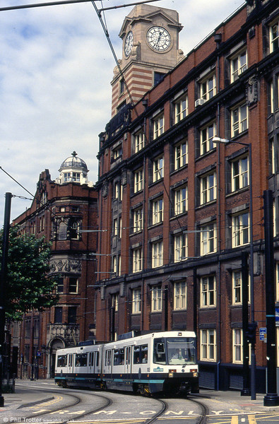 1013 climbs Balloon Street on 30th August 1993.