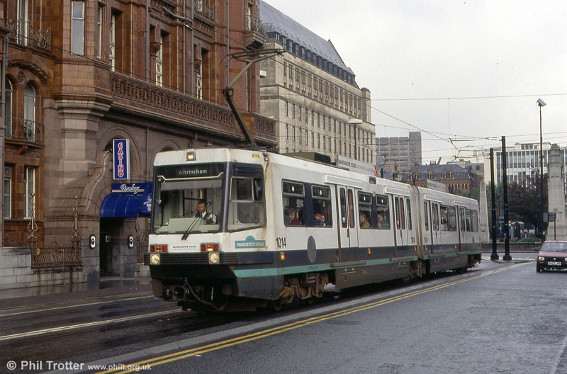 1014 'Manchester 2000' near St. Peters Square on 2nd October 1993.