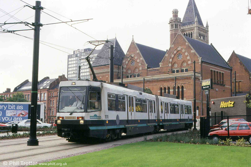 1010 'Manchester Champion' near Piccadilly Station on 2nd October 1993. The backdrop is Manchester Crown Court , Minshull St., built between 1867 and 1873 by architect Thomas Worthington.