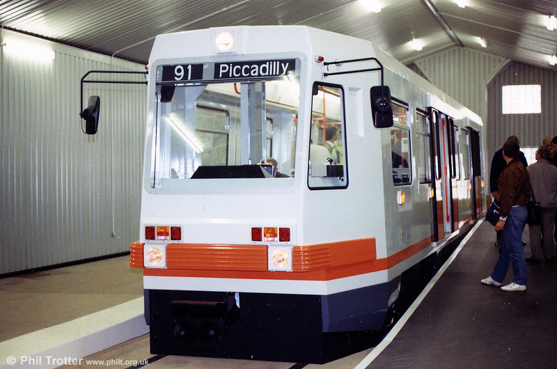 A second view of the pre-production car at Piccadilly on 12th May 1990. Unfortunately, the large, clear destination display was not perpetuated in the production fleet.