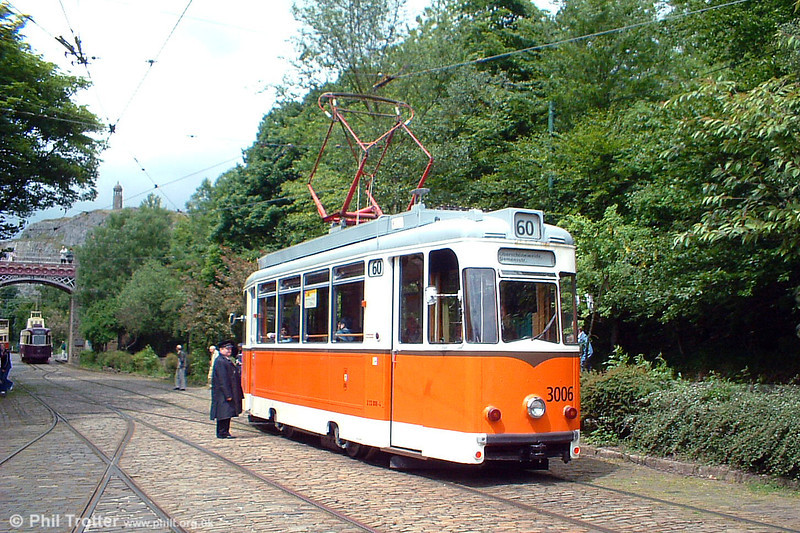Berlin 3006 and a kontrolleur on 12th June 2005.