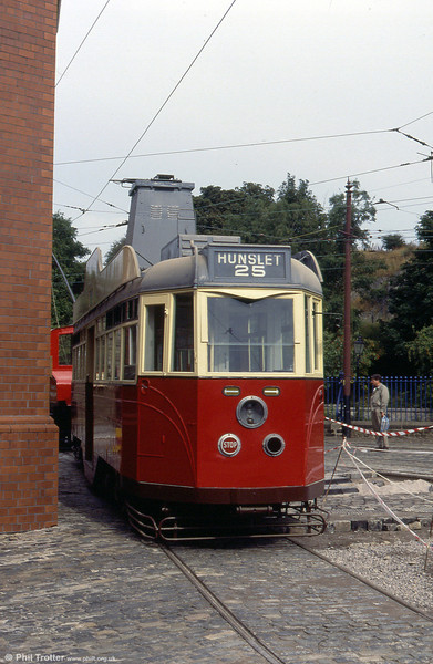 Converted to its present form over a period between 1949 and 1954, Leeds 600 was eventually withdrawn in 1957 and passed into preservation in 1960. 28th September 1991.