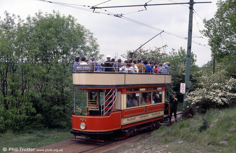 Paisley and District 68 was built in 1919, later being rebuilt in a similar style to a Glasgow Standard (no. 1068) when the undertaking was absorbed by Glasgow in 1923. It is seen at Glory Mine on 19th May 1990.