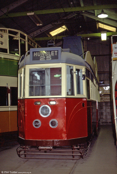 Leeds 600 was built for Sunderland Corporation in 1931. It passed to Leeds in 1944 for development into a new type of car for proposed tramway subways. 28th September 1991.