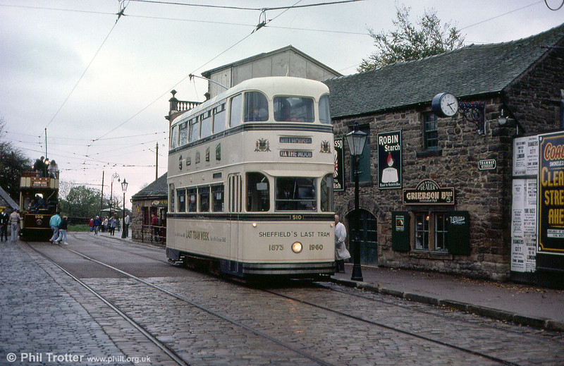 Sheffield 510 heads away from Town End on 28th October 1989. Sheffield once had a fleet of 36 Roberts cars.
