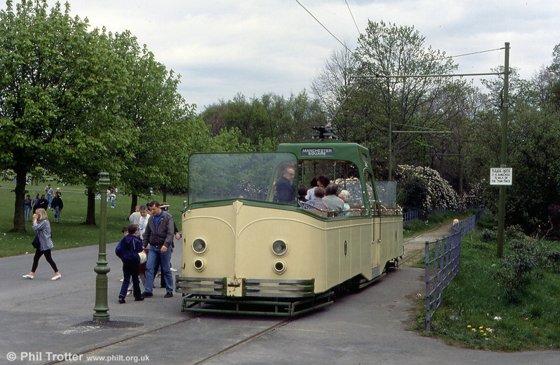 Blackpool 600/225 at Halfway, Heaton Park on 6th May 1991. This was the prototype 'boat', built in 1934 - the eleven production examples had higher body sides.