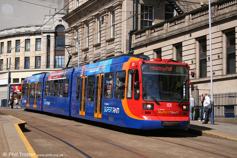 The new Sheffield Supertram livery applied by Stagecoach looks much smarter than the previous versions. Car 101 pauses at Fitzalan Square on 30th April 2007.