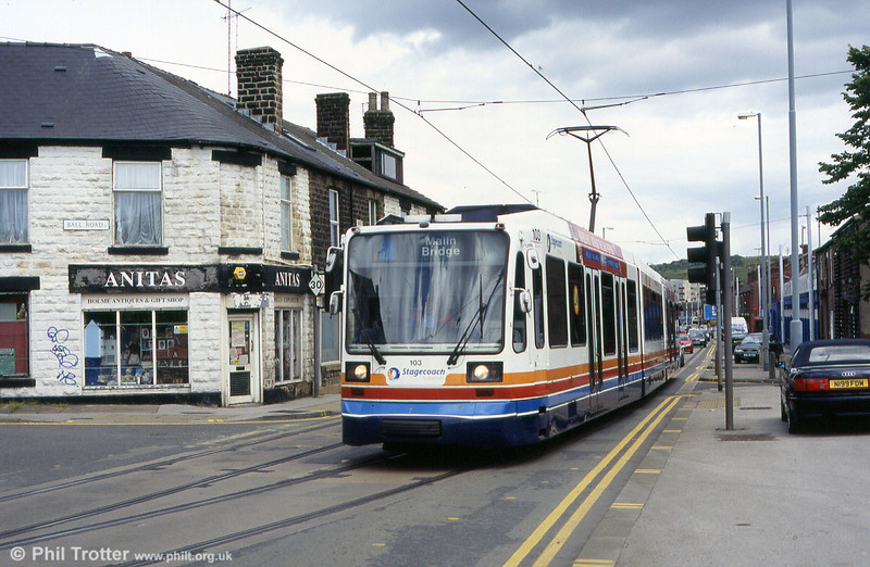 Sheffield car 103 approaches the terminus at Malin bridge from Holme lane on 20th June 2004.