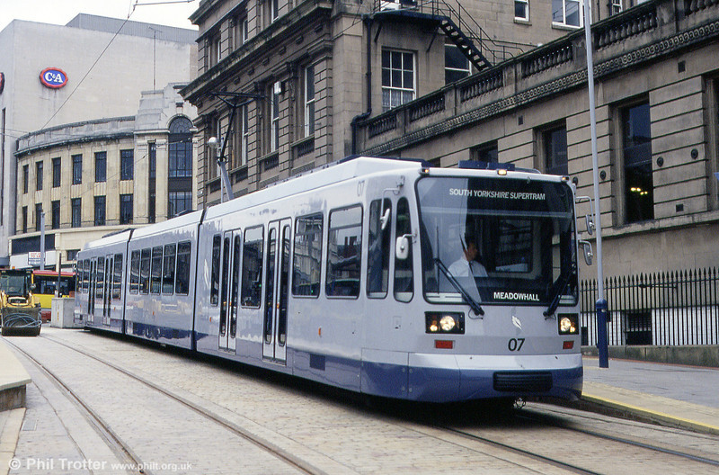 Car 07 in Commercial Street on 4th June 1994.