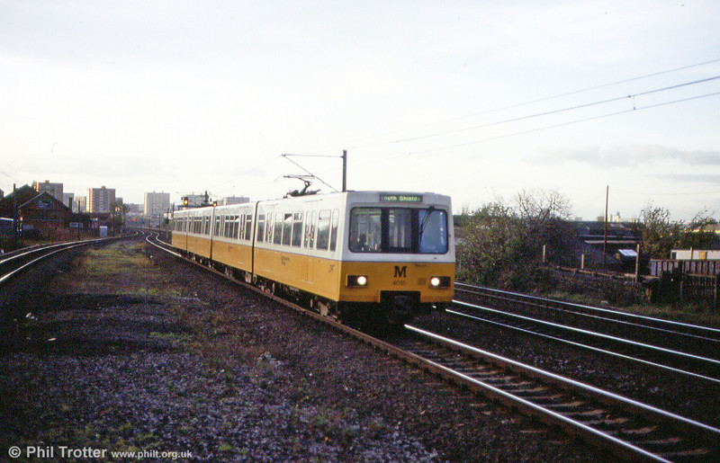 4015 at Felling on 5th November 1992.