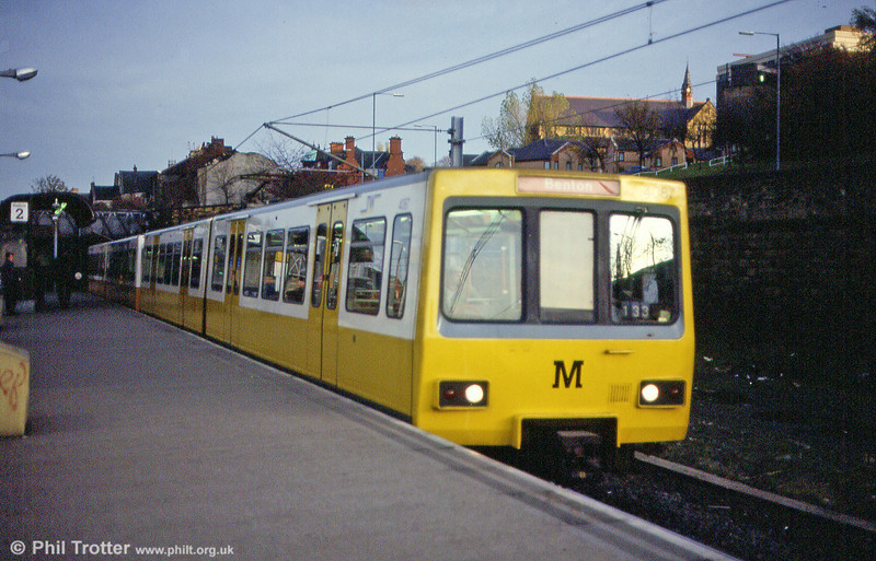 4087 at Felling in its modified livery on 5th November 1992.