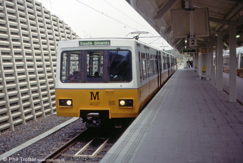 4027 at the then recently opened terminus at Newcastle Airport on 23rd May 1992.