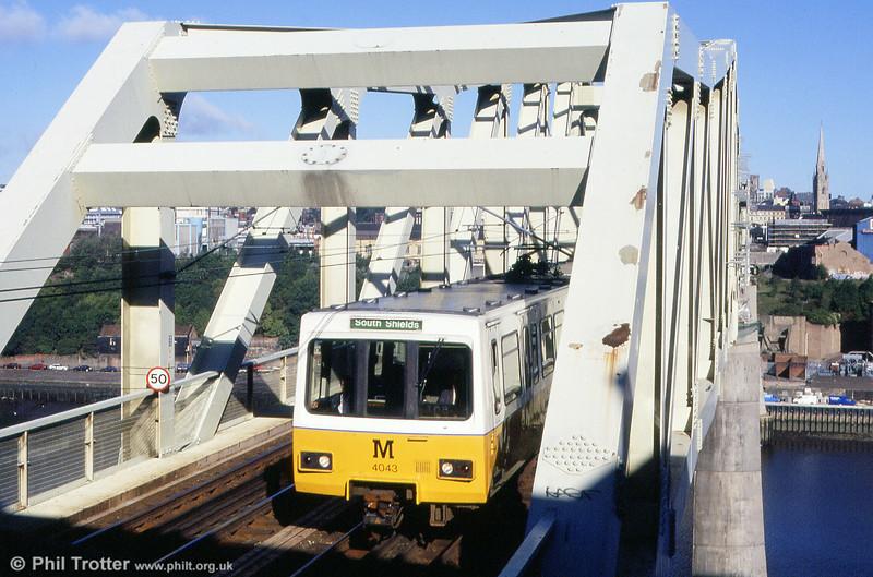 4043 crosses the River Tyne on 4th September 1990.