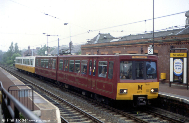 4051 in its claret livery at West Jesmond on 23rd May 1991.
