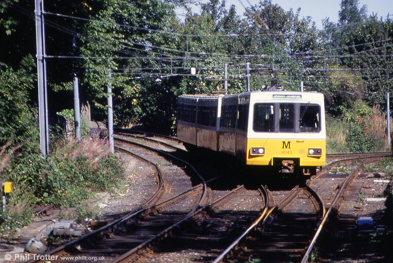 4043 at South Gosforth with a Bank Foot to South Shields working on 3rd September 1990.