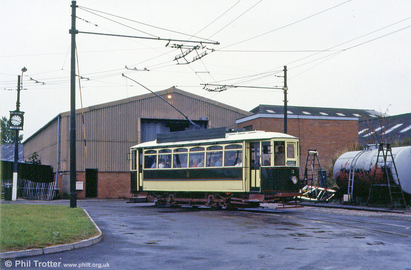 D&S car 5 passes the tram and trolleybus depot on 10th September 1989.