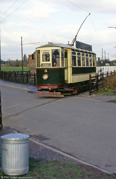 Dustbin day at Dudley: car 5 on 3rd November 1990.