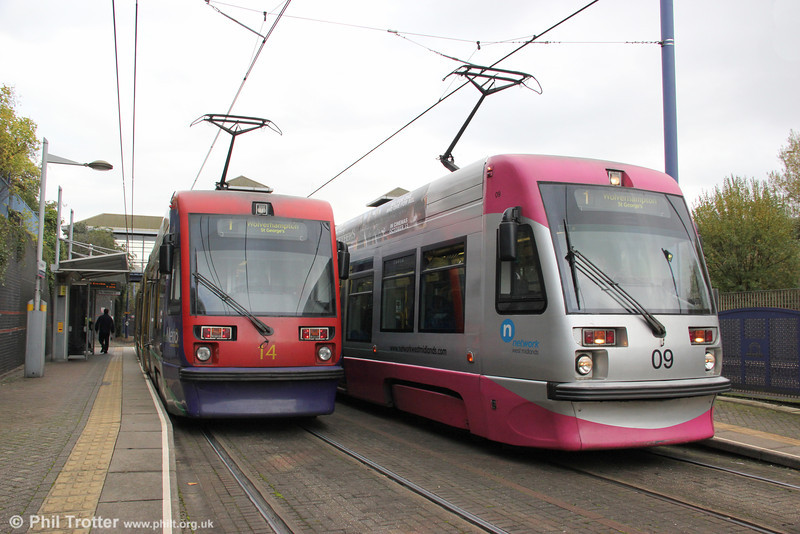 A comparison of the old and new liveries with cars 09 and 14 at the Hawthorns on 29th October 2011.