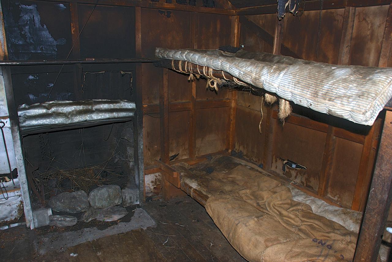 Minaret Burn, lower hut