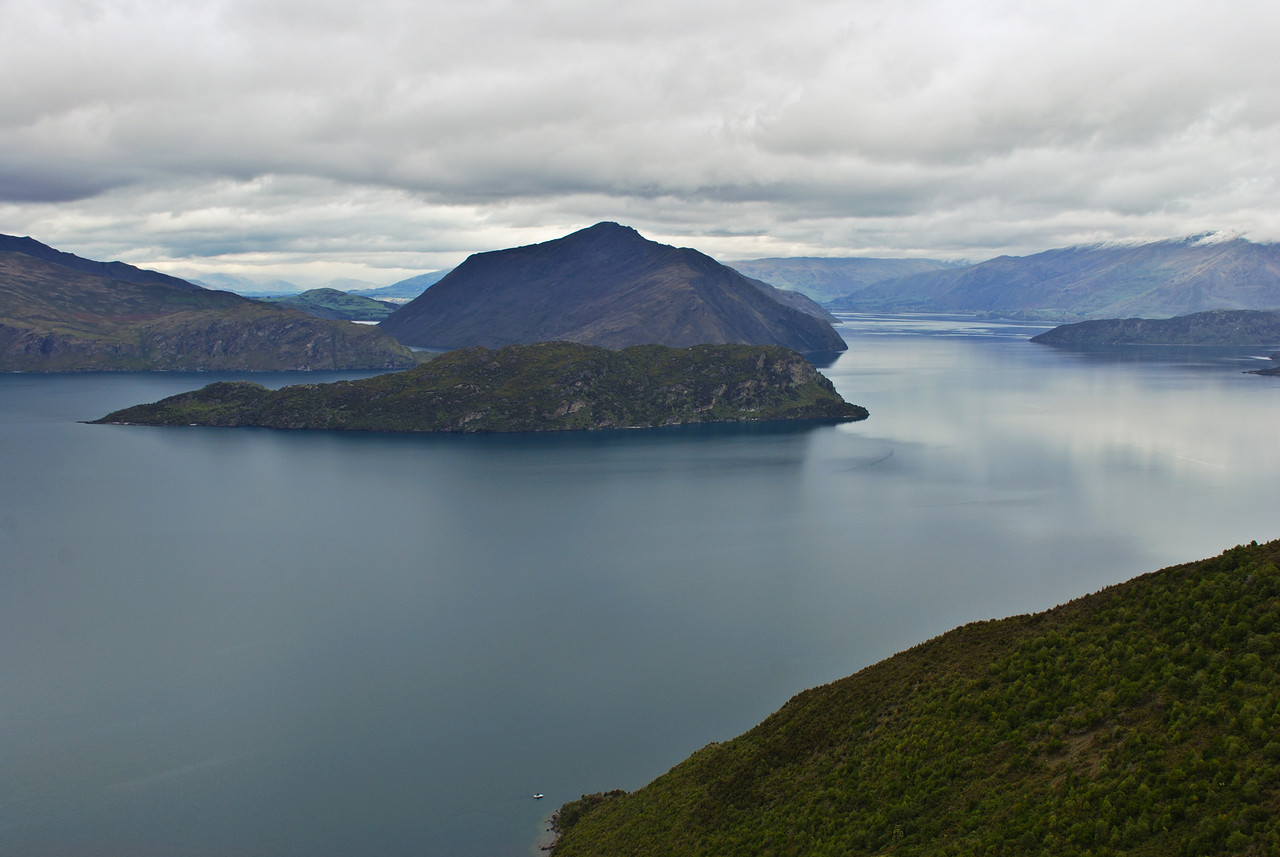 View of Lake Wanaka from the Minaret Burn Track