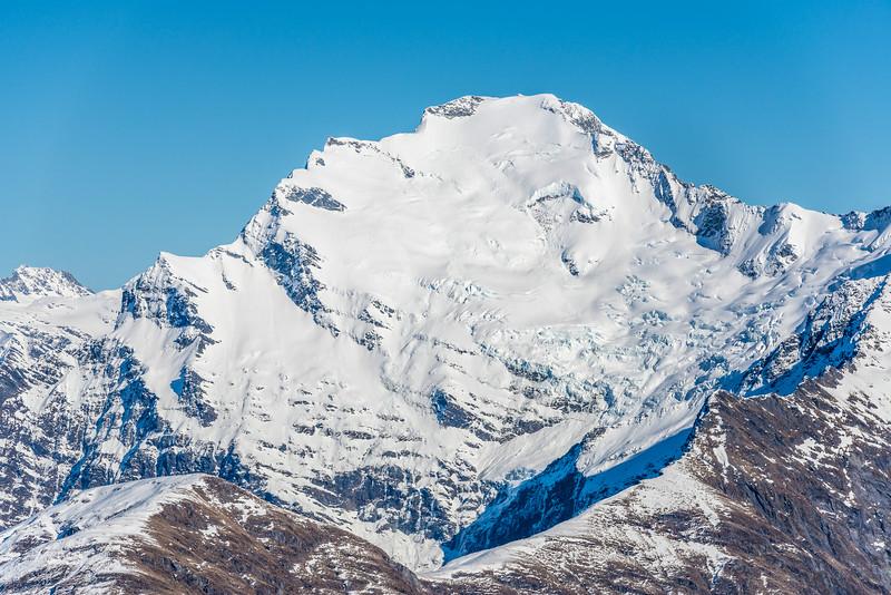 Rob Roy Low Peak from Pt 1854m north of Albert Burn saddle
