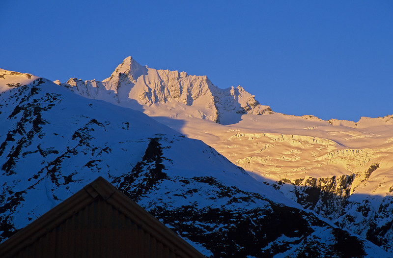 Liverpool Hut. Mt Avalanche at sunset