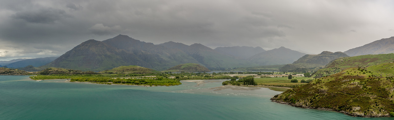 Matukituki River mouth and Roys Peak