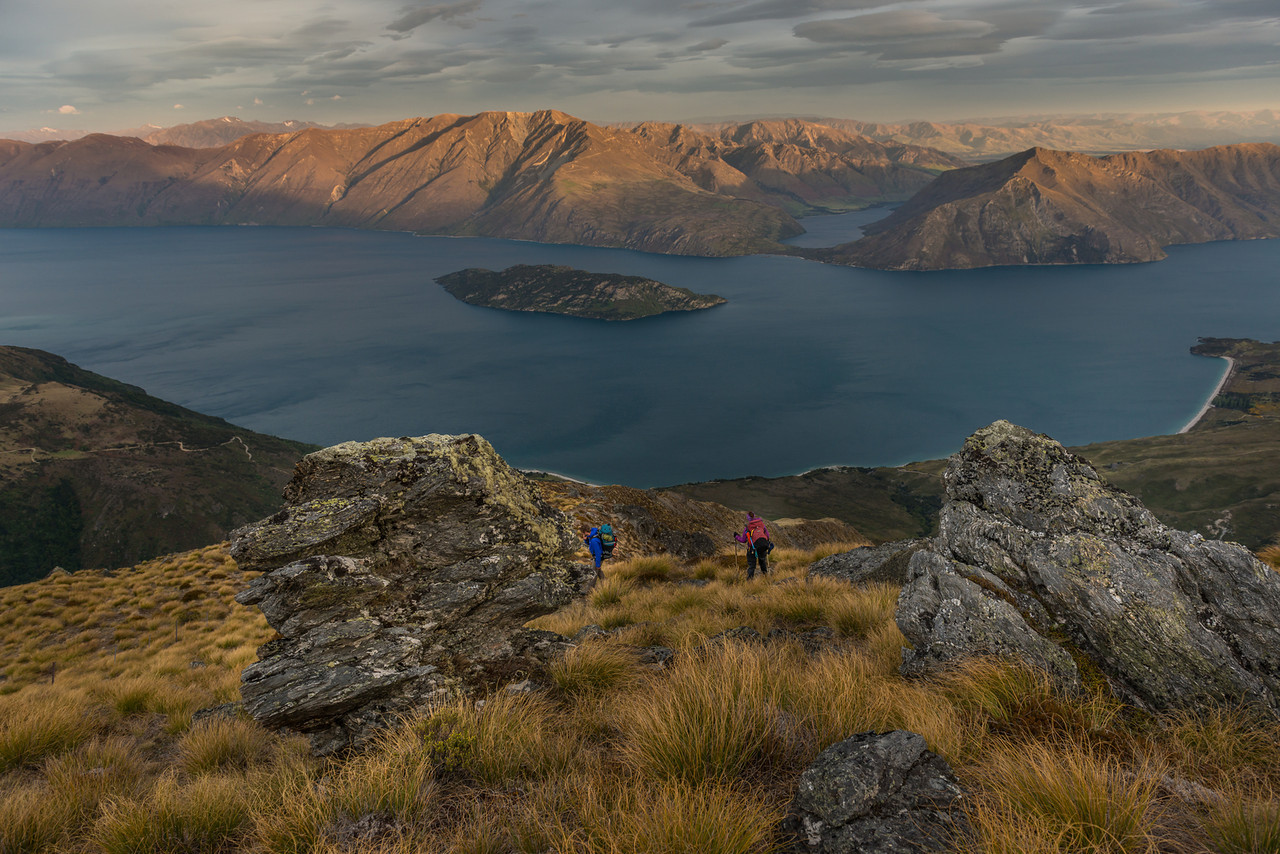 Descending Daniels Spur towards Lake Wanaka