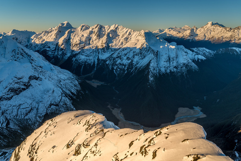 View down the north-east ridge of F-Knob. In the background are Nereus Peak, Somnus, Momus and Mt Earnslaw