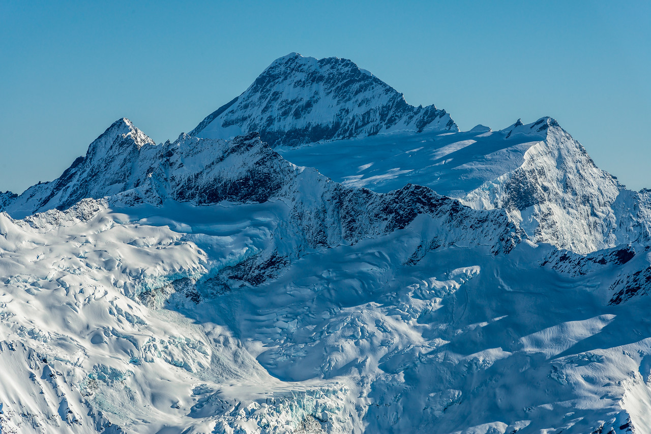 Mount Avalanche, Mount Aspiring and Popes Nose from Fog Peak