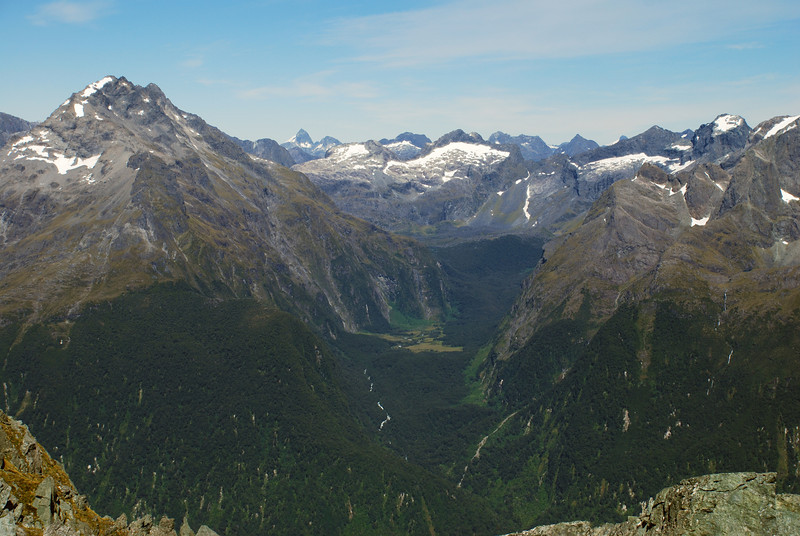 View into Moraine Creek from unnamed peak 1807m, Serpentine Range. Mount Gifford is on the far left. Mount Elliot stands out above Adelaide Saddle, just left of centre image.