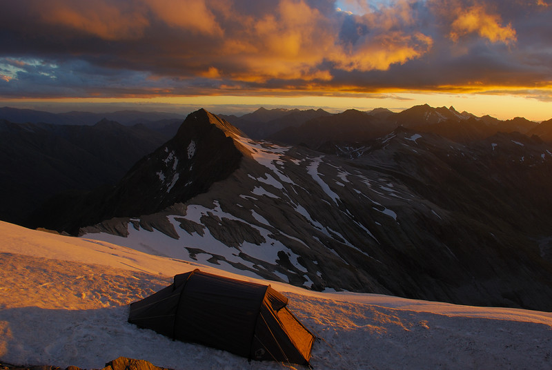Campsite at 2400m on the west ridge of Mount Tyndall