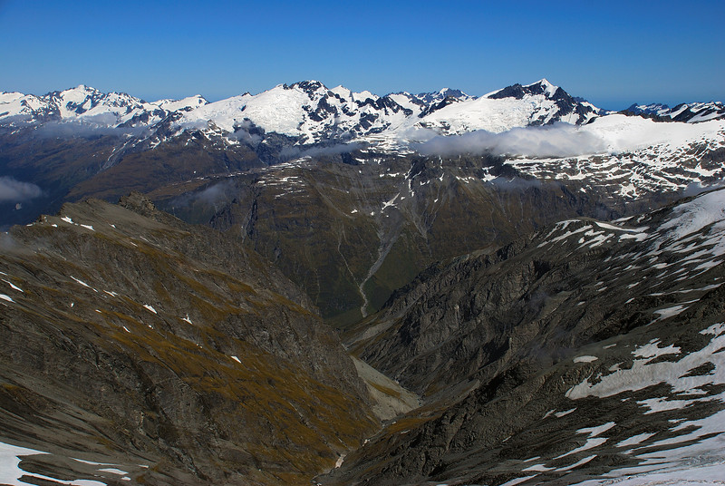 Panorama from Mt Tyndall (west). The three prominent peaks are, from left to right, Mt Albert, Mt Ian, Mt Lydia