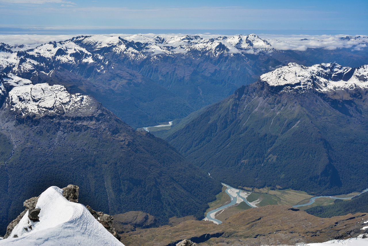 View from Mt Lydia: Williamson Flat is in the foreground, with the Five Fingers Range to the left, and the Waipara Range (Cilicia Peak) to the right. McArthur Flat is visible further back, with the Olivine Range (Retreat Pinnacles and Remote Peaks) behind