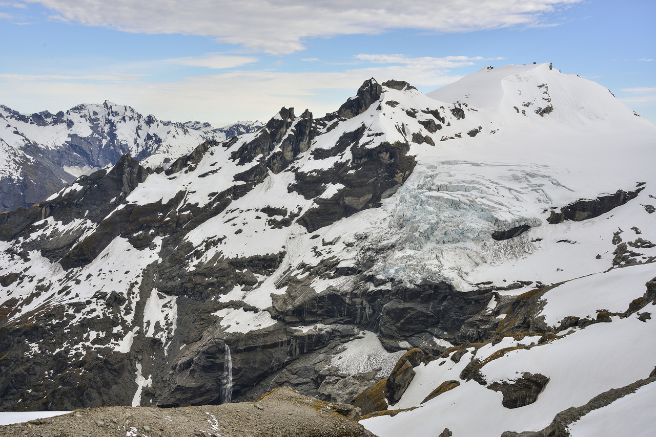 Mt Victoria and the Victoria Glacier icefall from the sidle between O'Leary Pass and the Marion Plateau. Gable Peak back left