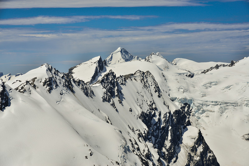 Mount Aspiring from Boys Col, squeezed between Pivot Peak (left) and Mount Maori (right)