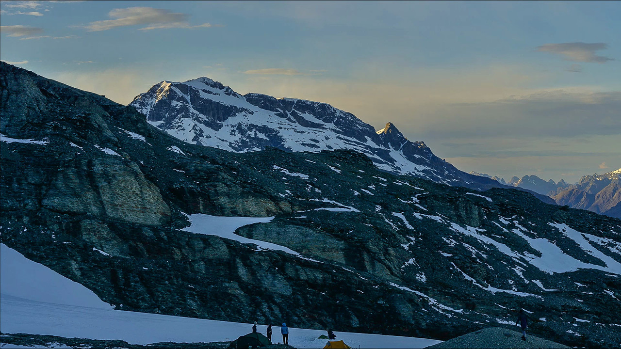 180 degree panorama from our campsite above O'Leary Pass.<br /> Soundtrack: Air on the G String, by J.S. Bach