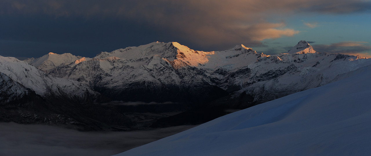 View from Round Hill Spur: Mounts Edward and Maoriri, Rob Roy Peak, Mount Avalanche and Mount Aspiring