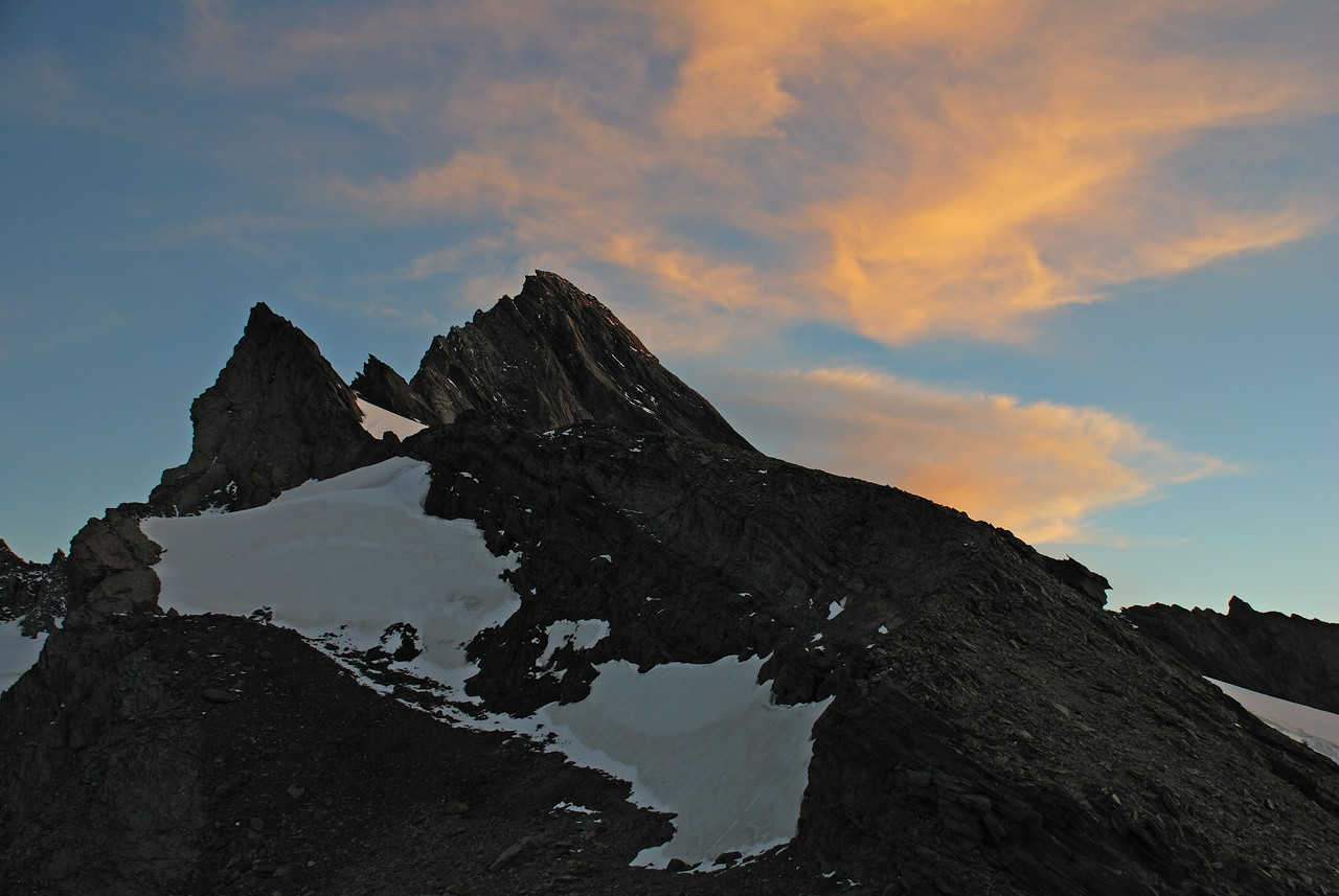 The north ridge of Mt Avalanche at sunset