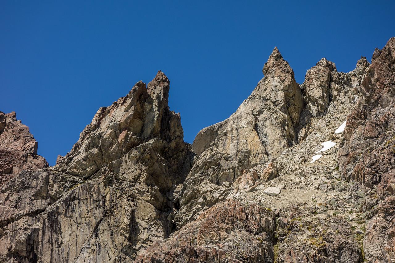 Gendarmes on the south-east ridge of Mount Bonpland, west of Pt 2195m