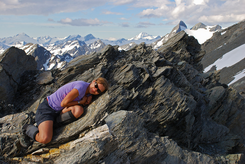 Asleep - or just pretending? ;-) On the saddle between Mount Ferguson and unnamed peak 2393m
