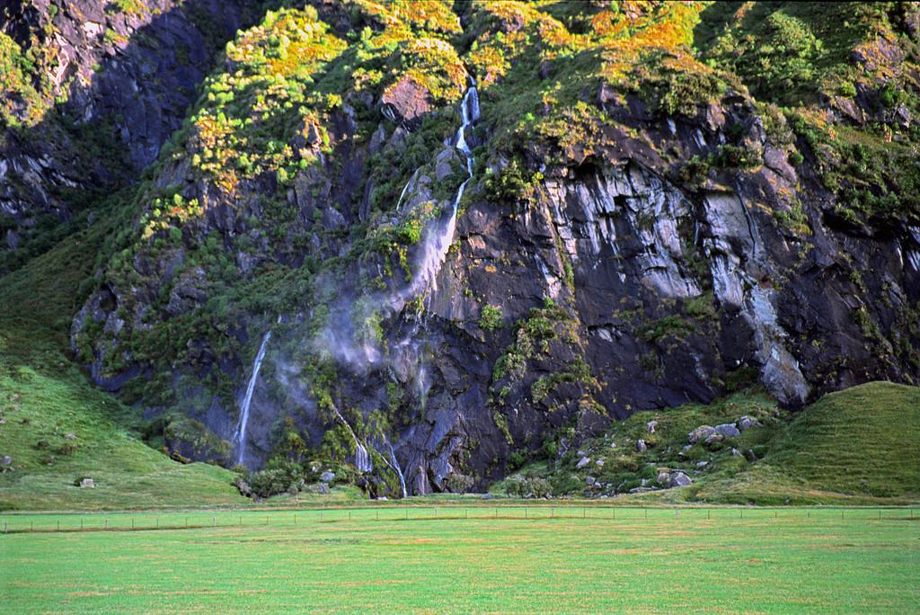 Wishbone Falls, Matukituki Valley